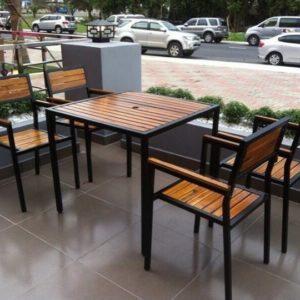 thanh lý bàn ghế chân sắt cafe