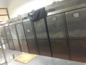tủ đông 4 cánh trong bếp công nghiệp