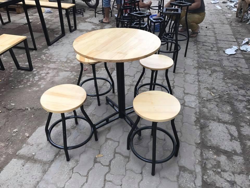 bàn ghế cafe thanh lý mẫu bàn ghế chân sắt nhỏ gọn đẹp