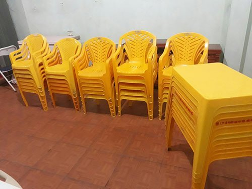 thanh lý bàn ghế nhựa cũ