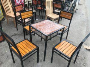 thanh lý bàn ghế chân sắt mặt gỗ nhà hàng
