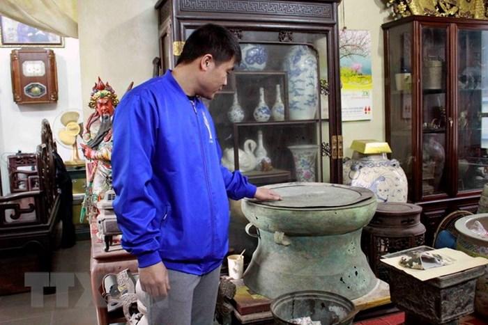 Các đồ cũ đồ cổ được tụ họp ở đấy rất nhiều là điểm đến cho ai yêu đồ cổ