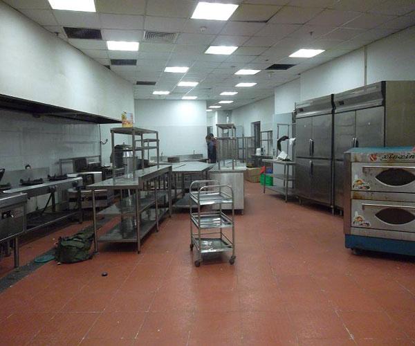 Đồ dùng bếp inox được thanh lý rất nhiều giá rẻ